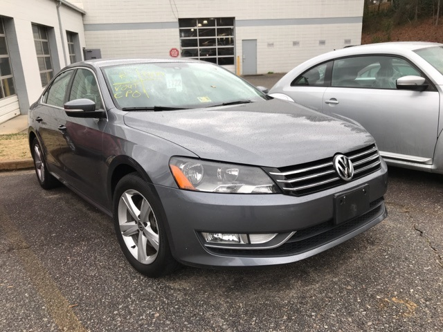 pre owned 2015 volkswagen passat 1 8t limited edition 4d. Black Bedroom Furniture Sets. Home Design Ideas