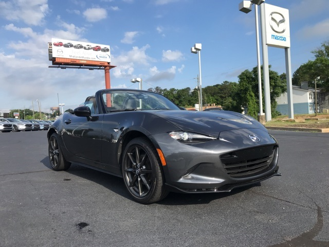 Pre-Owned 2017 Mazda Miata Club